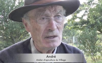 «L'Oasis des abeilles» Episode 4 : L'atelier d'apiculture du Village